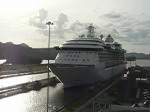 Cruize ship moving through Panama Canal (video)